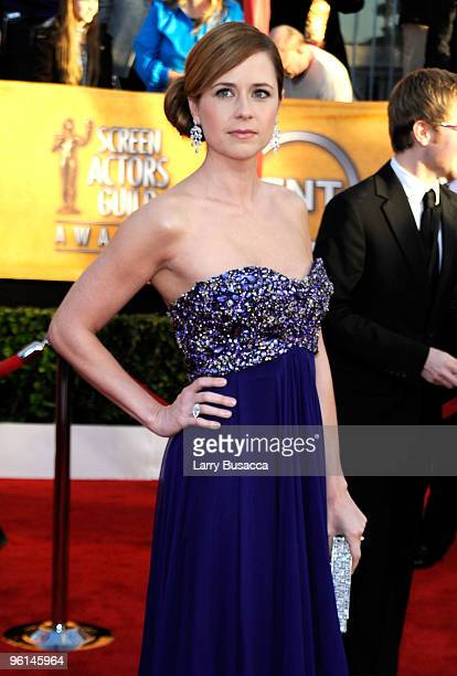 Actress Jenna Fischer arrives to the TNT/TBS broadcast of the 16th Annual Screen Actors Guild Awards held at the Shrine Auditorium on January 23,...