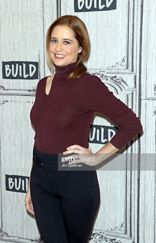 Actress Jenna Fischer attends Build to discuss 'The Actor's Life: A Survival Guide' at Build Studio on November 14, 2017 in New York City.