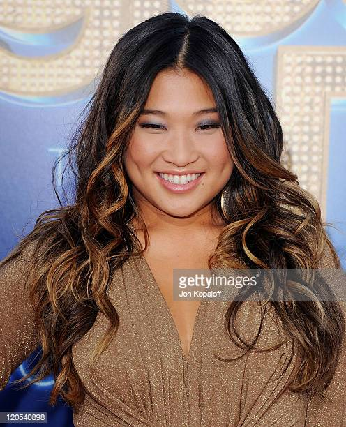"""Actress Jenna Ushkowitz arrives at the Los Angeles Premiere """"GLEE: The 3D Concert Movie"""" at Regency Village Theatre on August 6, 2011 in Westwood,..."""
