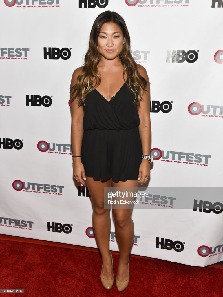 ¿Cuánto mide Jenna Ushkowitz? - Real height Actress-jenna-ushkowitz-attends-the-2017-outfest-los-angeles-lgbt-picture-id813021246