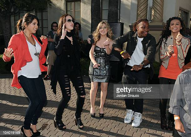 Actress Jennette McCurdy and Leon Thomas and guests attend Nickelodeon's Fred The Movie premiere screening event at Paramount Theater on September 11...