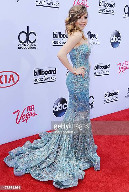 Actress Jennette McCurdy arrives at the 2015 Billboard Music Awards at MGM Garden Arena on May 17, 2015 in Las Vegas, Nevada.