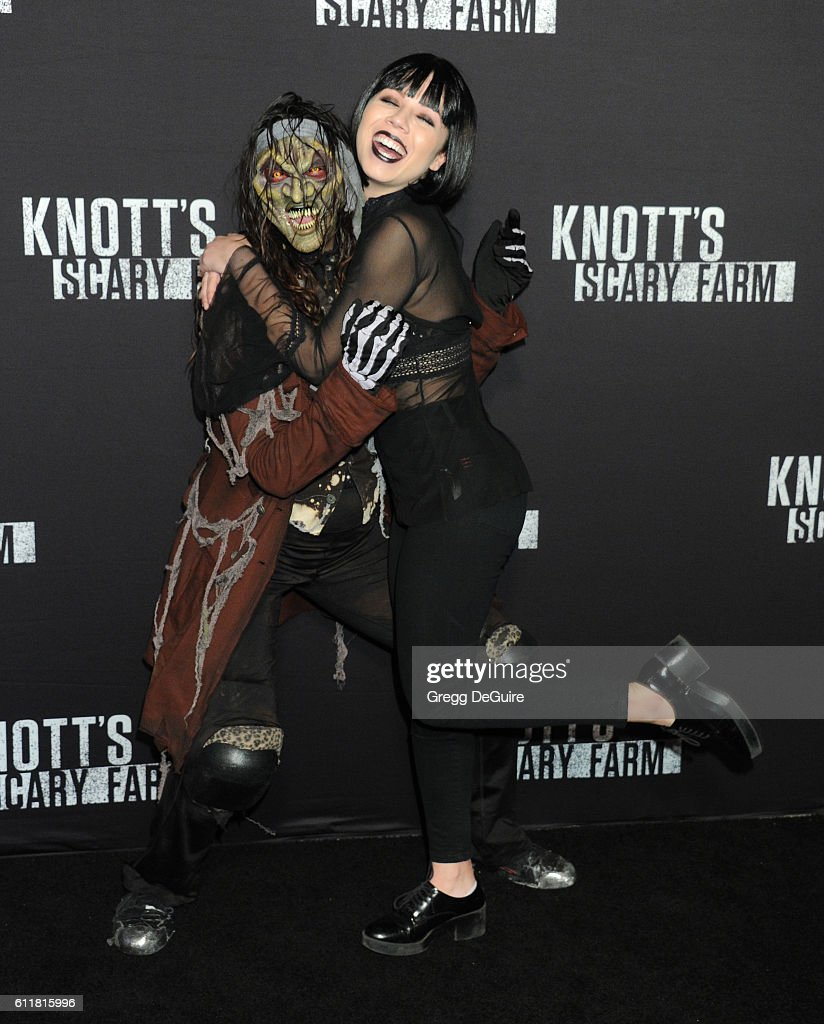 Actress Jennette McCurdy arrives at the Knott's Scary Farm Black Carpet Event at Knott's Berry Farm on September 30, 2016 in Buena Park, California.