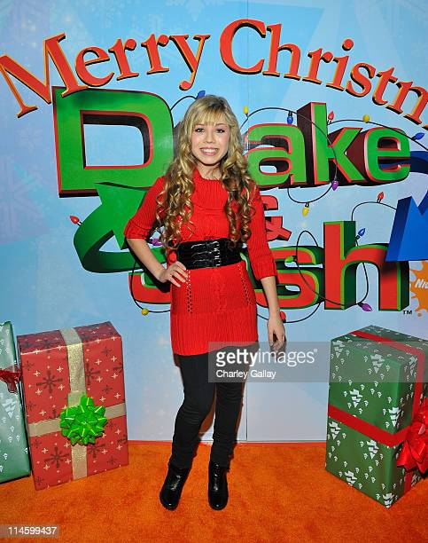 Actress Jennette McCurdy arrives at the world premiere of 'Merry Christmas Drake Josh' at the Westside Pavillion on December 2 2008 in Westwood...