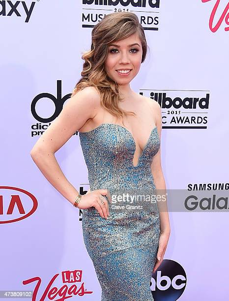 Actress Jennette McCurdy attends the 2015 Billboard Music Awards at MGM Grand Garden Arena on May 17, 2015 in Las Vegas, Nevada.