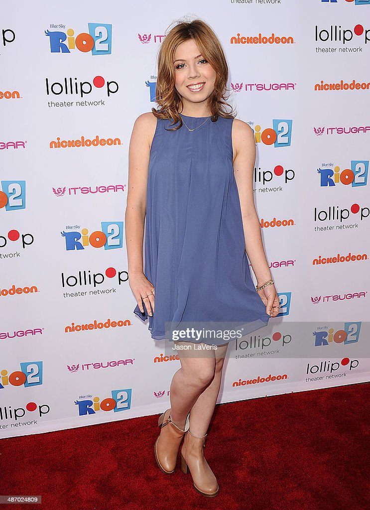 Actress Jennette McCurdy attends the Lollipop Theater Network's A Night Under The Stars at Nickelodeon Animation Studio on April 26, 2014 in Burbank, California.