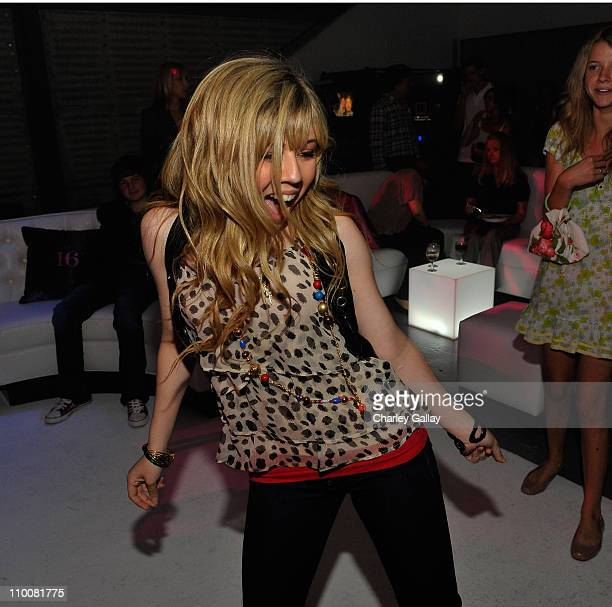Actress Jennette McCurdy dances at Miranda Cosgrove's Sweet 16 Party at Siren on May 16, 2009 in Los Angeles, California.