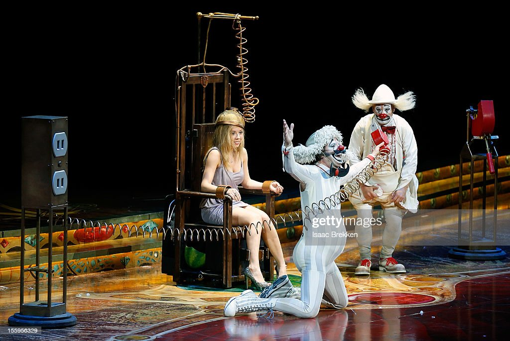 Actress Jennette McCurdy (L) makes a cameo on stage during the Las Vegas premiere of 'Zarkana by Cirque du Soleil' at the Aria Resort & Casino at CityCenter on November 9, 2012 in Las Vegas, Nevada.