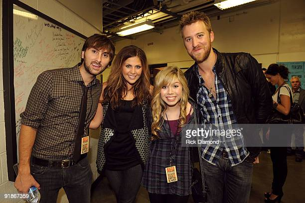 Actress Jennette McCurdy poses with musicians Dave Haygood Hillary Scott and Charles Kelley of Lady Antebellum at the We're All For The Hall benefit...
