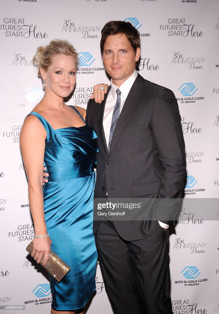 Actress Jennie Garth (L) and actor Peter Facinelli attend the 2010 Boys and Girls Clubs of America's Chairman's Gala at The Waldorf Astoria on June 2, 2010 in New York City.