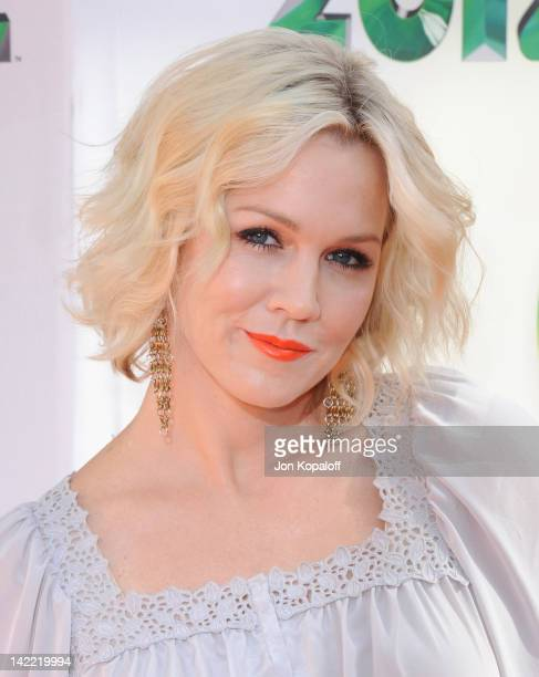 Actress Jennie Garth arrives at the 2012 Nickelodeon's Kids' Choice Awards held at the Galen Center on March 31 2012 in Los Angeles California
