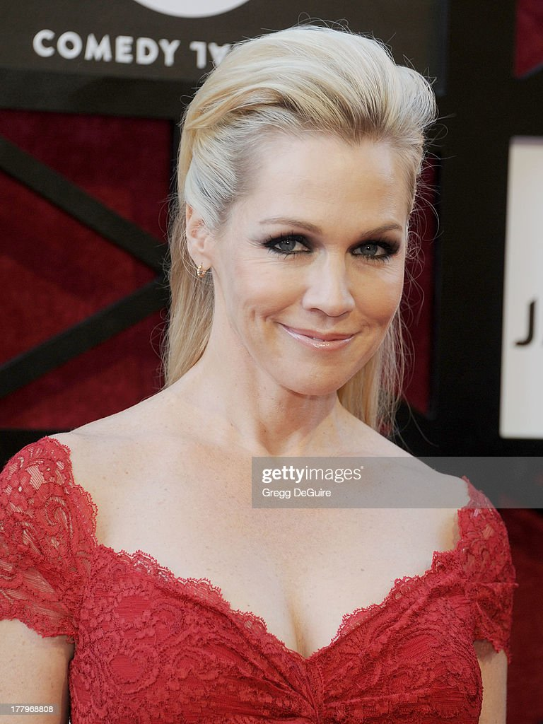 Actress Jennie Garth arrives at the Comedy Central Roast of James Franco at Culver Studios on August 25, 2013 in Culver City, California.