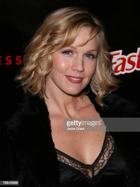 Actress Jennie Garth arrives at the Style Your Slim event presented by Slim Fast at Boulevard3 on January 8 2007 in Hollywood California