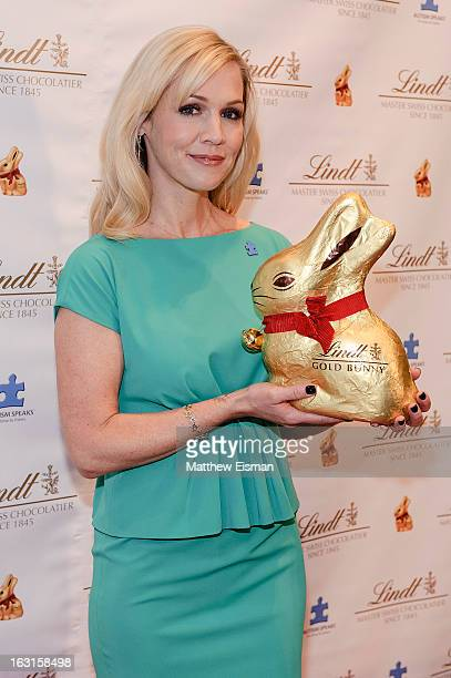Actress Jennie Garth attends the 2013 Lindt GOLD BUNNY Celebrity Auction at Lindt Chocolate Shop on March 5 2013 in New York City