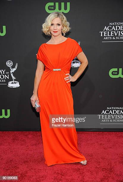 Actress Jennie Garth attends the 36th Annual Daytime Emmy Awards at The Orpheum Theatre on August 30 2009 in Los Angeles California Photo by Frazer...