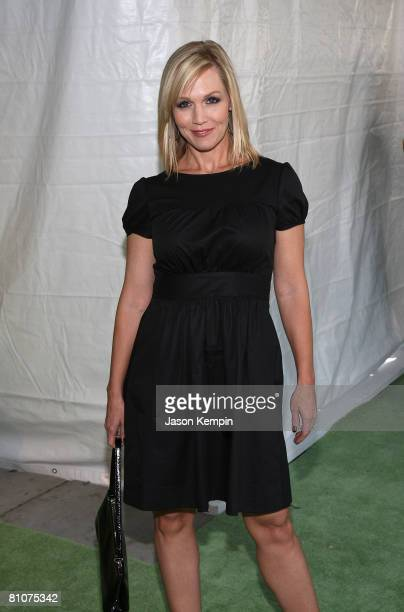 Actress Jennie Garth attends the CW Network 2008 Upfronts at Lincoln Center on May 13, 2008 in New York City.