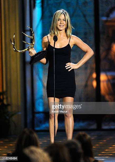 Actress Jennifer Aniston accepts an award onstage during Spike TV's 5th annual 2011 'Guys Choice' Awards at Sony Pictures Studios on June 4 2011 in...