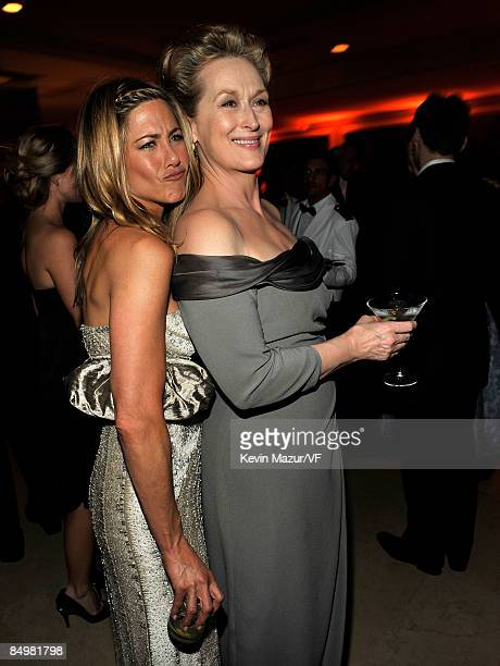 Actress Jennifer Aniston and actress Meryl Streep attends the 2009 Vanity Fair Oscar party hosted by Graydon Carter at the Sunset Tower Hotel on...
