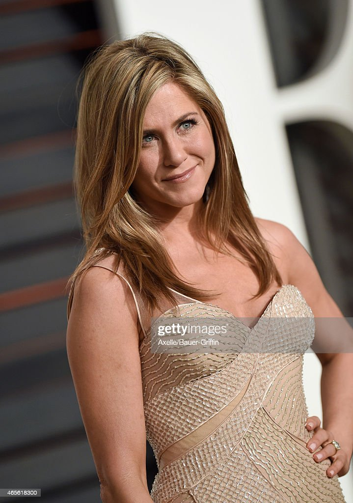 Actress Jennifer Aniston arrives at the 2015 Vanity Fair Oscar Party Hosted By Graydon Carter at Wallis Annenberg Center for the Performing Arts on February 22, 2015 in Beverly Hills, California.