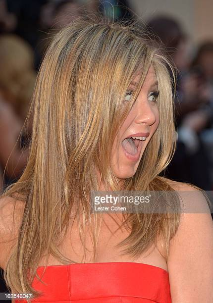 Actress Jennifer Aniston arrives at the Oscars at Hollywood Highland Center on February 24 2013 in Hollywood California