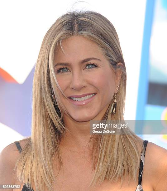 Actress Jennifer Aniston arrives at the premiere of Warner Bros Pictures' 'Storks' at Regency Village Theatre on September 17 2016 in Westwood...