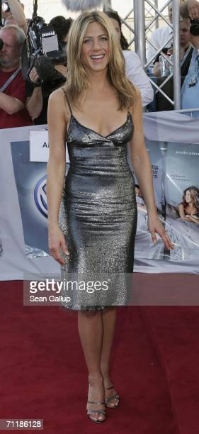 Actress Jennifer Aniston arrives for a special screening of The BreakUp on June 12 2006 in Hamburg Germany
