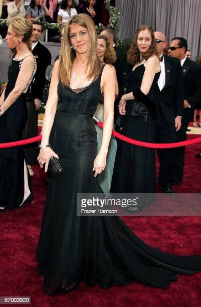 Actress Jennifer Aniston arrives to the 78th Annual Academy Awards at the Kodak Theatre on March 5, 2006 in Hollywood, California.