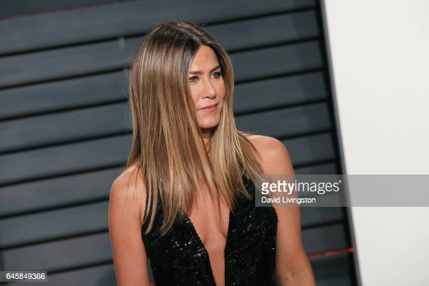 Actress Jennifer Aniston attends the 2017 Vanity Fair Oscar Party hosted by Graydon Carter at the Wallis Annenberg Center for the Performing Arts on...