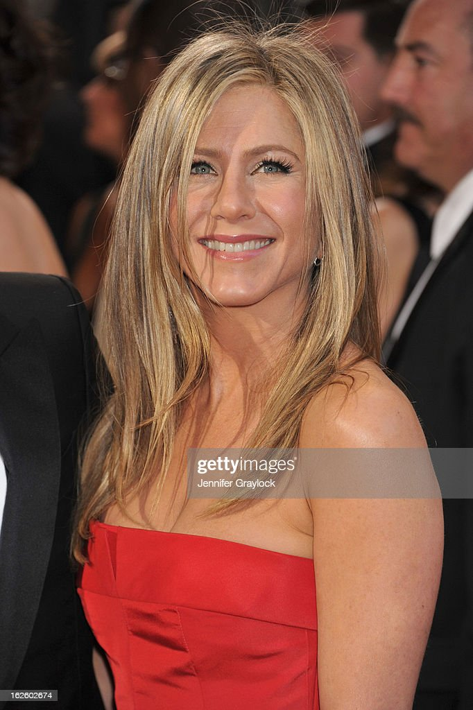 Actress Jennifer Aniston attends the 85th Annual Academy Awards held at the Hollywood & Highland Center on February 24, 2013 in Hollywood, California.