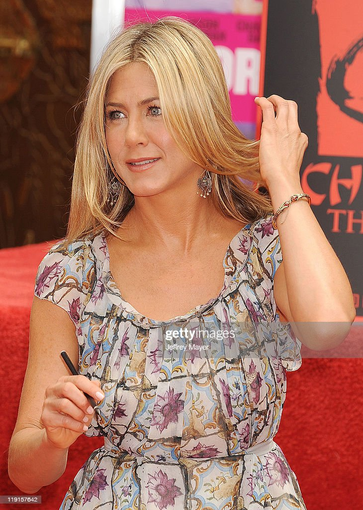 Jennifer Aniston - People Magazine September 2021
