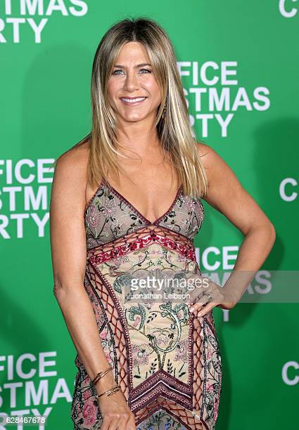 Actress Jennifer Aniston attends the LA Premiere of Paramount Pictures Office Christmas Party at Regency Village Theatre on December 7 2016 in...