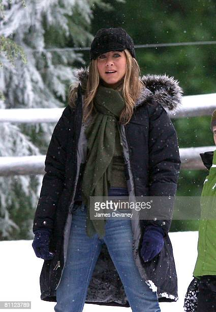Actress Jennifer Aniston on location for 'Marley Me' on May 16 2008 in West Chester PA