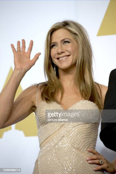 Actress Jennifer Aniston poses in press room of the 87th Academy Awards Oscars at Dolby Theatre in Los Angeles USA on 22 February 2015 Photo Hubert...