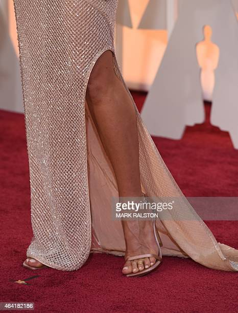 Actress Jennifer Aniston poses on the red carpet for the 87th Oscars on February 22 2015 in Hollywood California AFP PHOTO / MARK RALSTON