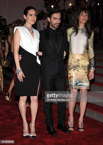 """Actress Jennifer Connelly and actress Charlotte Gainsbourg attend the Metropolitan Museum of Art Costume Institute Gala """"Superheroes: Fashion And..."""
