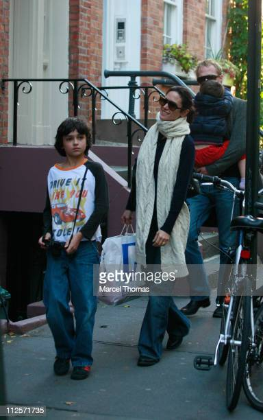 Actress Jennifer Connelly and husband actor Paul Bettany with kids Kai Dugan and Stellan Bettany on October 3 2007 in New York City
