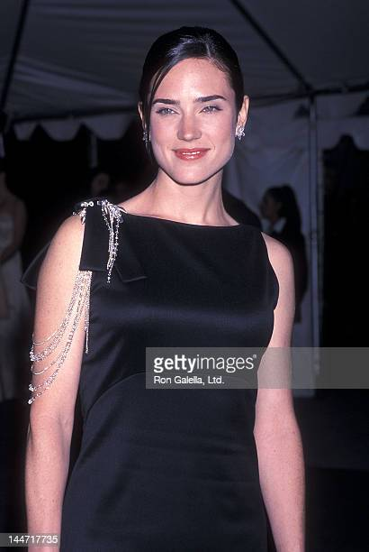 Jennifer Connelly: Wow, has she lost a lot of weight ...  Jennifer Connelly 2001