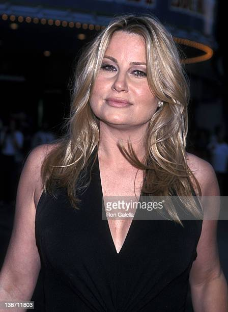 "Actress Jennifer Coolidge attends the ""Legally Blonde"" Westwood Premiere on June 26, 2001 at Mann Village Theatre in Westwood, California."