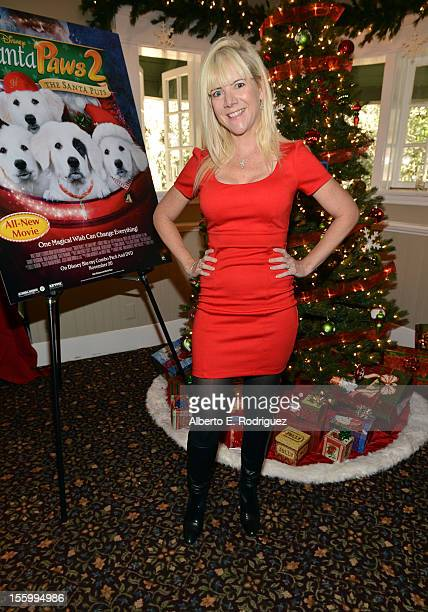 Actress Jennifer Elise Cox attends the 'Santa Paws 2 The Santa Pups' holiday party hosted by Disney Cheryl Ladd and Ali Landry at The Victorian on...