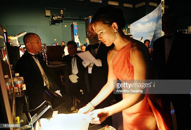Actress Jennifer Gardner is photographed backstage at the 76th Annual Academy Awards for Los Angeles Times on February 29 2004 at the Kodak Theater...