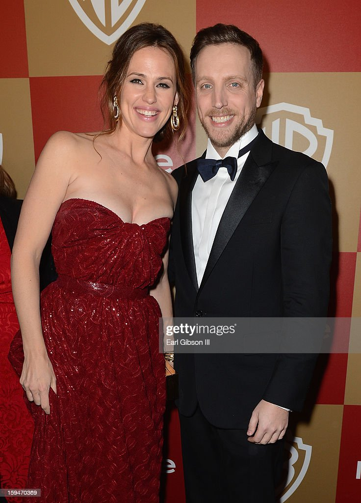 Actress Jennifer Garner and Editor of InStyle Ariel Foxman attend the 2013 InStyle and Warner Bros. 70th Annual Golden Globe Awards Post-Party held at the Oasis Courtyard in The Beverly Hilton Hotel on January 13, 2013 in Beverly Hills, California.