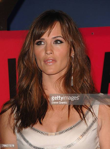Actress Jennifer Garner arrives at the 2007 Video Music Awards at the Palms Casino Resort on August 9, 2007 in Las Vegas, Nevada.