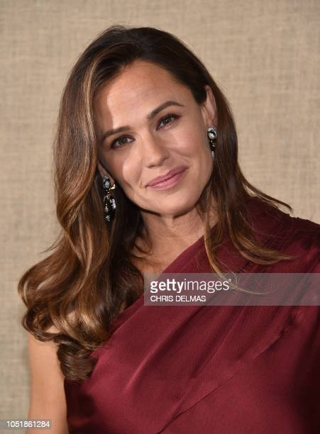 US actress Jennifer Garner arrives for the HBO series premiere of Camping on October 10 2018 at the Paramount studios in Los Angeles