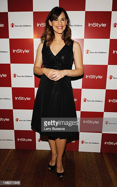 Actress Jennifer Garner attends a dinner hosted by InStyle editor Ariel Foxman celebrating her InStyle cover and new role as Save the Children Artist...