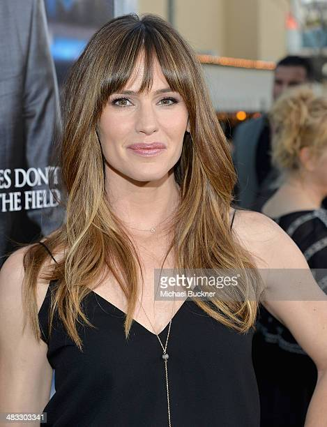 """Actress Jennifer Garner attends Premiere Of Summit Entertainment's """"Draft Day"""" at Regency Bruin Theatre on April 7, 2014 in Los Angeles, California."""