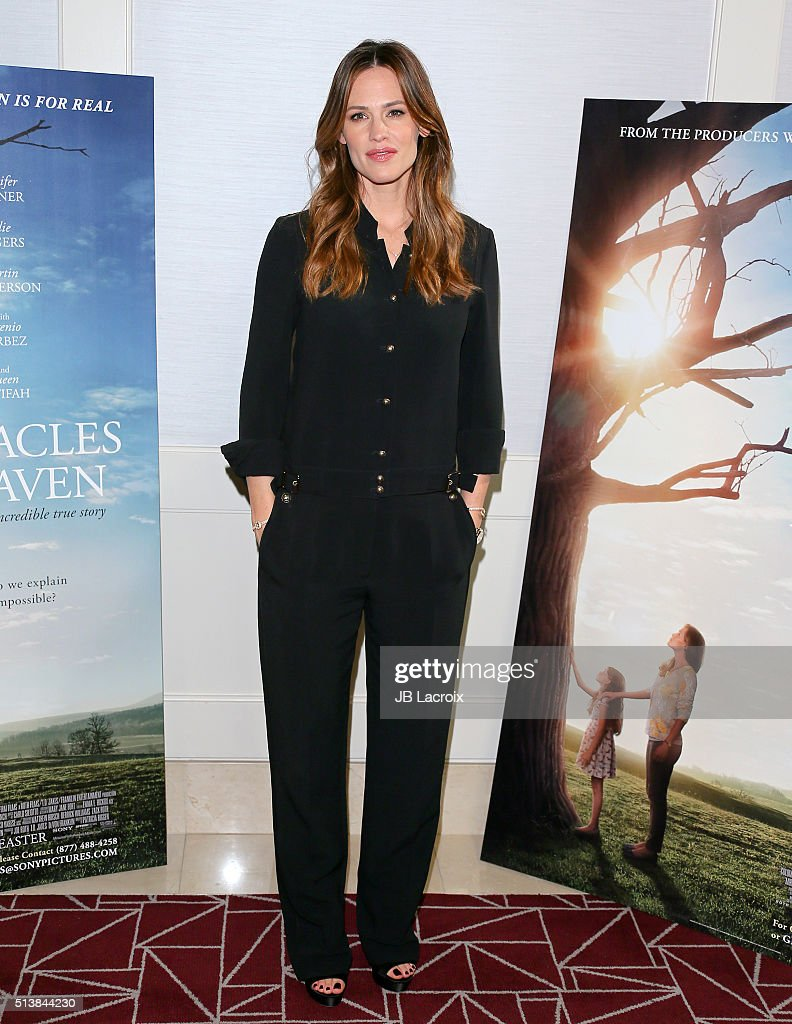 """Sony Pictures Releasing's """"Miracles From Heaven"""" Photo Call"""
