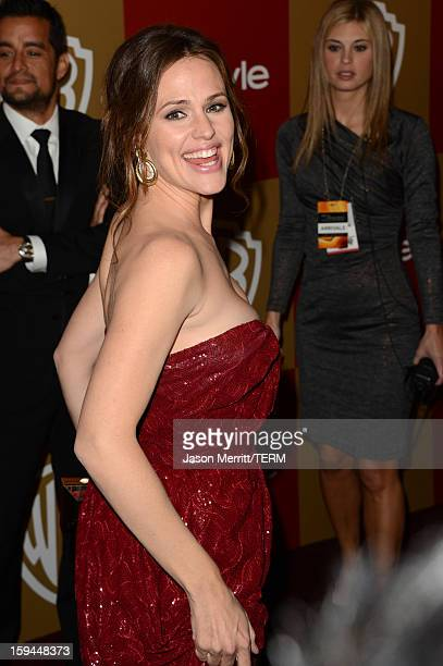 Actress Jennifer Garner attends the 14th Annual Warner Bros And InStyle Golden Globe Awards After Party held at the Oasis Courtyard at the Beverly...