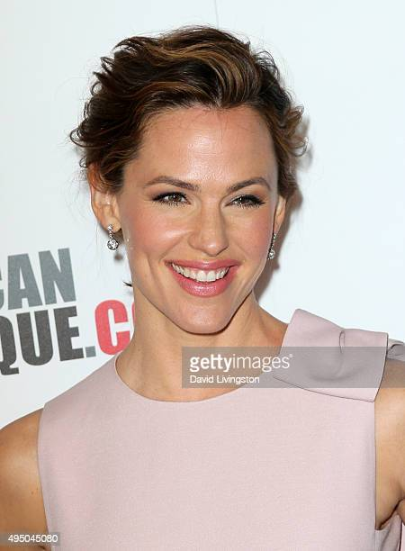 Actress Jennifer Garner attends the 29th American Cinematheque Award Honoring Reese Witherspoon Arrivals at the Hyatt Regency Century Plaza on...