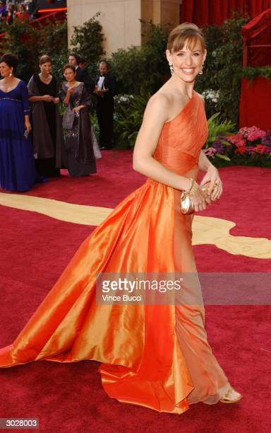 Actress Jennifer Garner attends the 76th Annual Academy Awards at the Kodak Theater on February 29 2004 in Hollywood California
