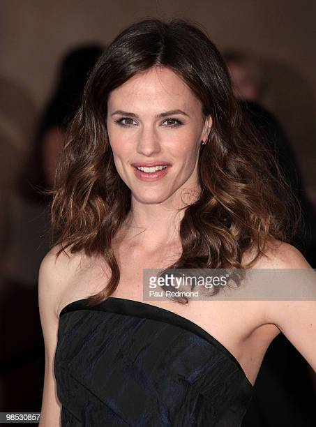 Actress Jennifer Garner attends the at American Cinematheque 24th Annual Award Presentation To Matt Damon at The Beverly Hilton hotel on March 27...